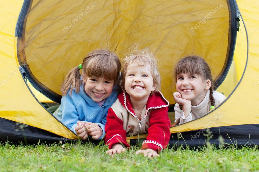depositphotos_8703958-stock-photo-children-in-tent
